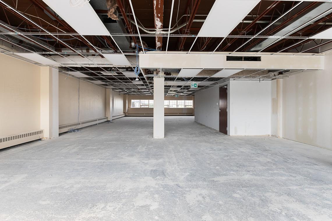 suite 203 interior 250 city centre