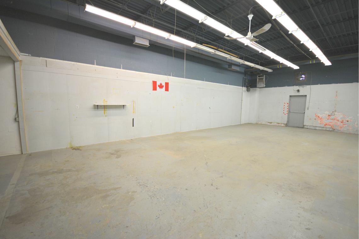 interior bay 222 open storage area 250 city centre