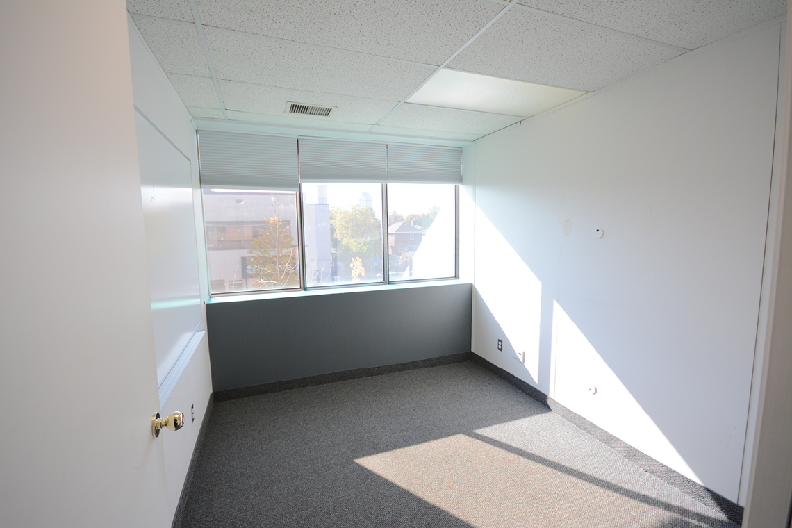 suite 200 private office 119 ross avenue