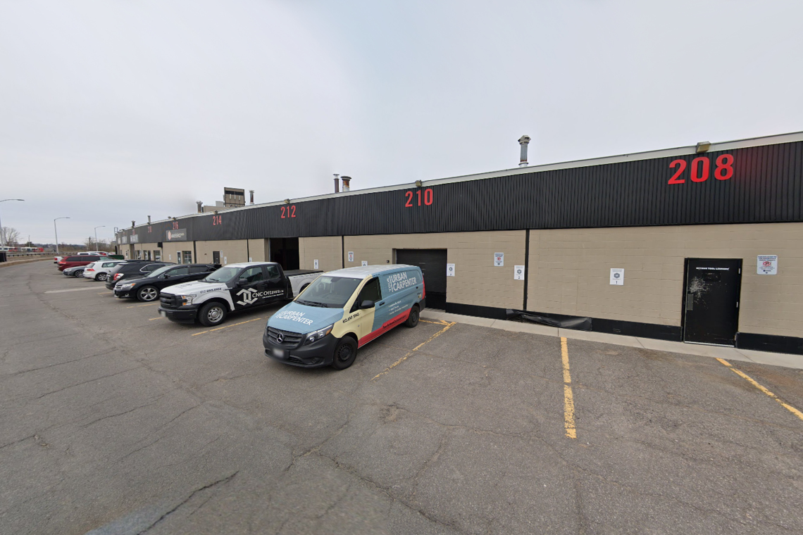 warehouse bay 208-218 exterior